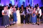 2015 Musikkapelle Ga.-Pa. in Oman Geschenkübergabe (1)