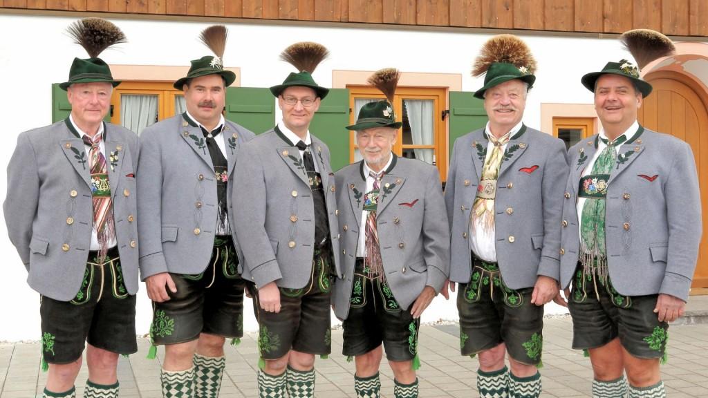Ehrenvorstände: Peter Spanier, Paul Kollmannsberger, Oliver Höhn<br />Ehrenmitglieder: Karl Kröpl, Werner Furtner, Jörgi Schießlbauer